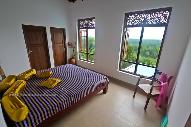 Sri lanka holiday house buy for Bedroom designs sri lanka
